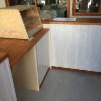 家具は全て造作・手塗り。