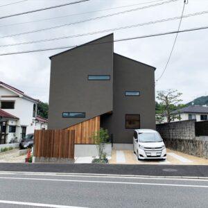 光と住まう多角形の家-BASSO-